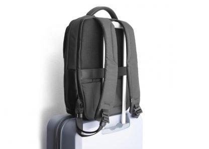 zaino nava aero organizzato con 3 scomparti tasca di sicurezza rfid colore nero su trolley