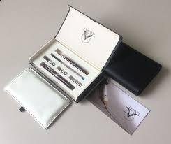 Visconti Set da scrittura arte della scrittura composto da una strilografica tre puntali sfera soller e stilografica con pennino tagliato intercambiambili ed una cannuccia con pennino in cristallo