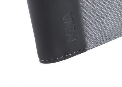 logo del portafoglio nava twin piccolo con 4 tasche per carte di credito portamonete rfid colore grigio