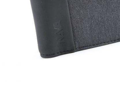 logo del portafoglio in verticale nava linea twin con 7 tasche per carte di credito ed rfid colore antracite