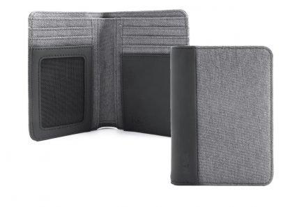 portafoglio in verticale nava linea twin con 7 tasche per carte di credito ed rfid colore grigio aperto e chiuso