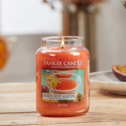 Candele profumate yankee candle fragranza Passion Fruit Martini disponibile in più formati grande media piccola per auto tea light sampler e tart
