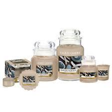Candele profumate yankee candle fragranza Seaside Woods disponibile in più formati grande media piccola per auto tea light sampler e tart