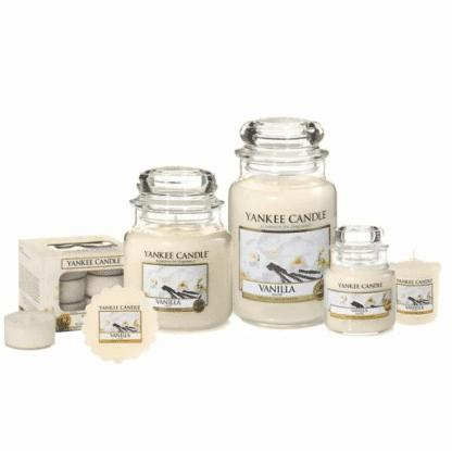 Candele profumate yankee candle fragranza Vanilla disponibile in più formati grande media piccola per auto tea light sampler e tart