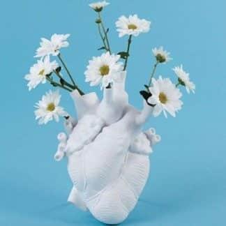 Seletti portafiori a forma di cuore in porcellana bianca