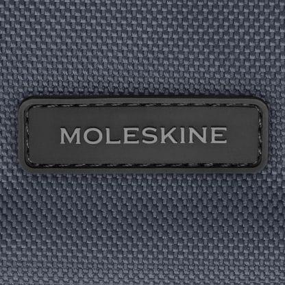 Zaino Moleskine tessuto tecnico blu tempesta particolare del logo