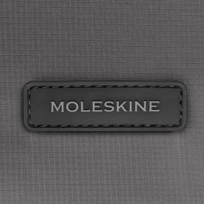 Zaino Moleskine zaino Ripstop in nylon colore grigio pietra particolare del logo