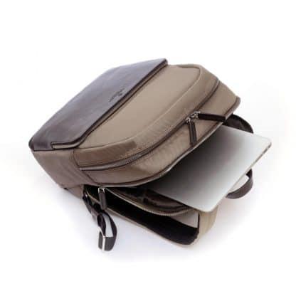 Zaino Metropolitan Khaki tasca e particolari del porta pc