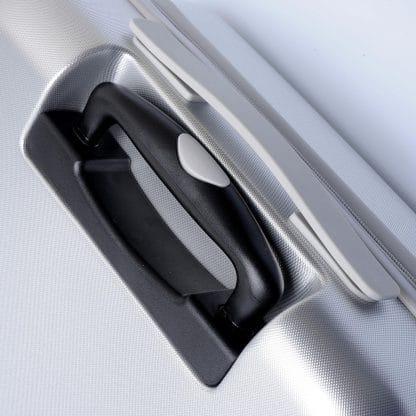 Trolley di colore argento in pet con logo A.G. Spalding & Bros a rilievo sul frontale particolare della maniglia
