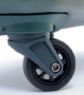 Trolley di colore verde scuro in pet con logo A.G. Spalding a rilievo sul frontale particolare della ruota